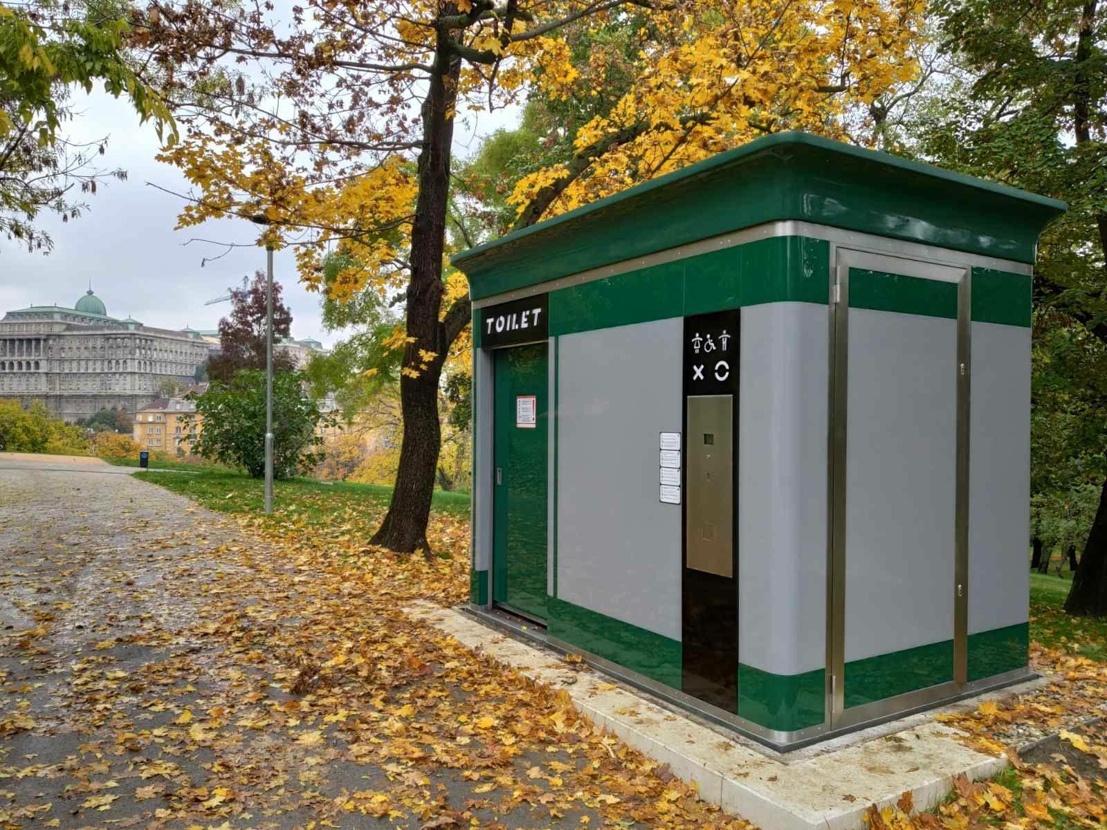Nyilvános WC a Tabán-ban